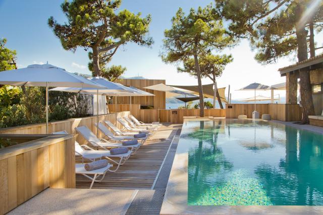Superbe Corsica Travel